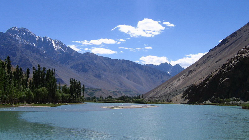 Pakistan-Shandur-Lake